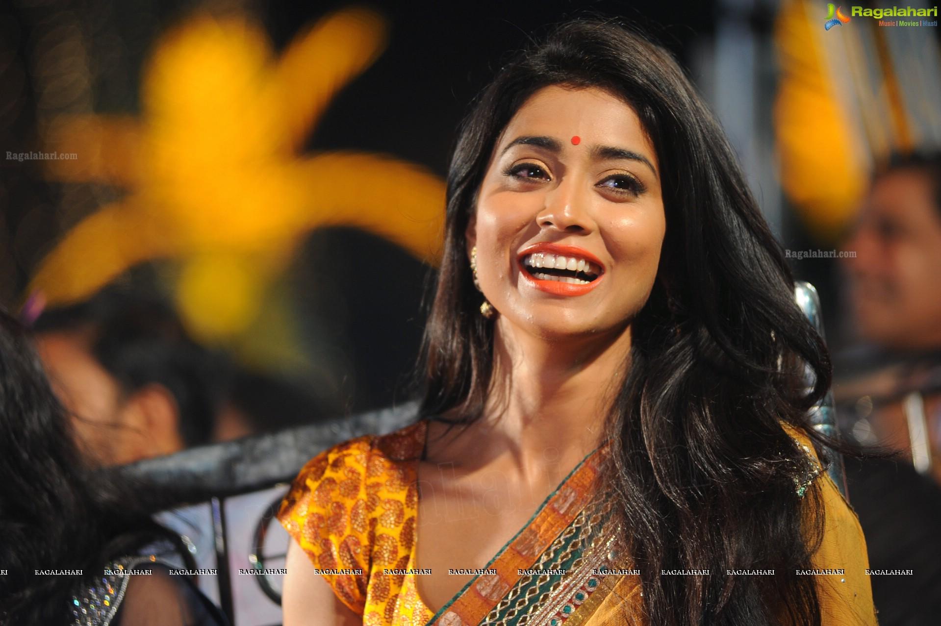 Shriya Saran High Resolution Images: Beautiful Tollywood Actress