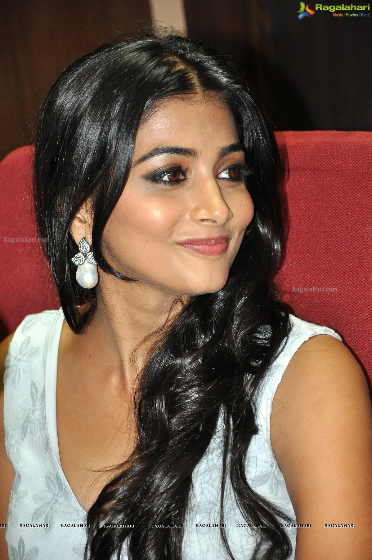pooja hegde image 8 | telugu actress photos,images, photos, pictures