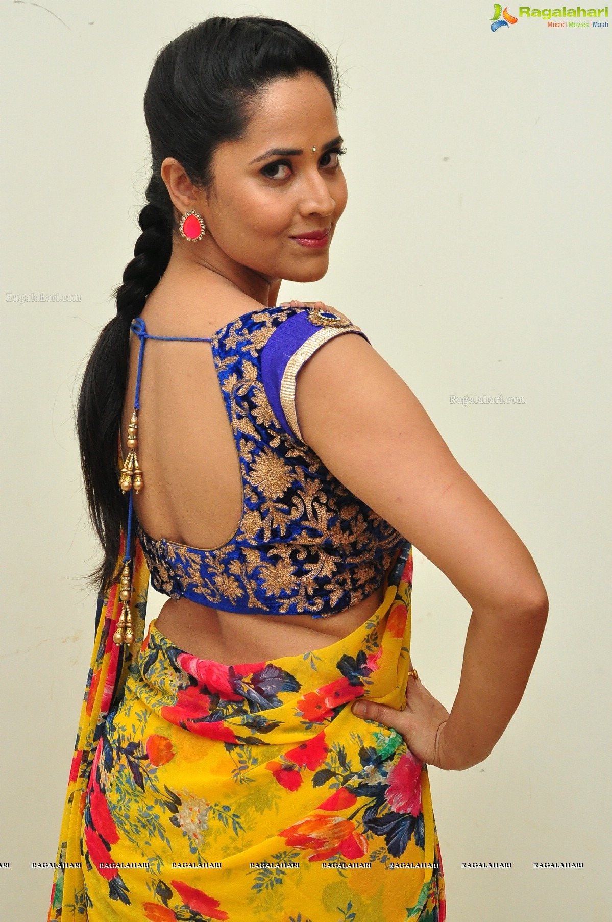 Anasuya Image 8 Telugu Heroines Postersimages Photos Pictures