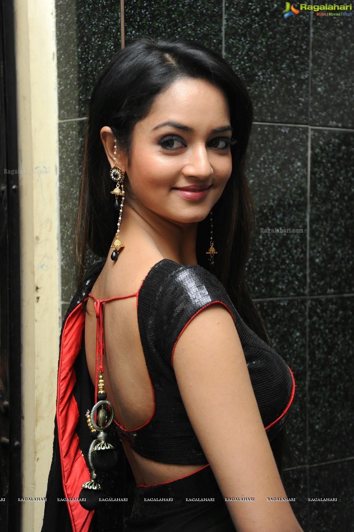 Shanvi Srivastava Image 21 Telugu Hero Galleryimages Photos