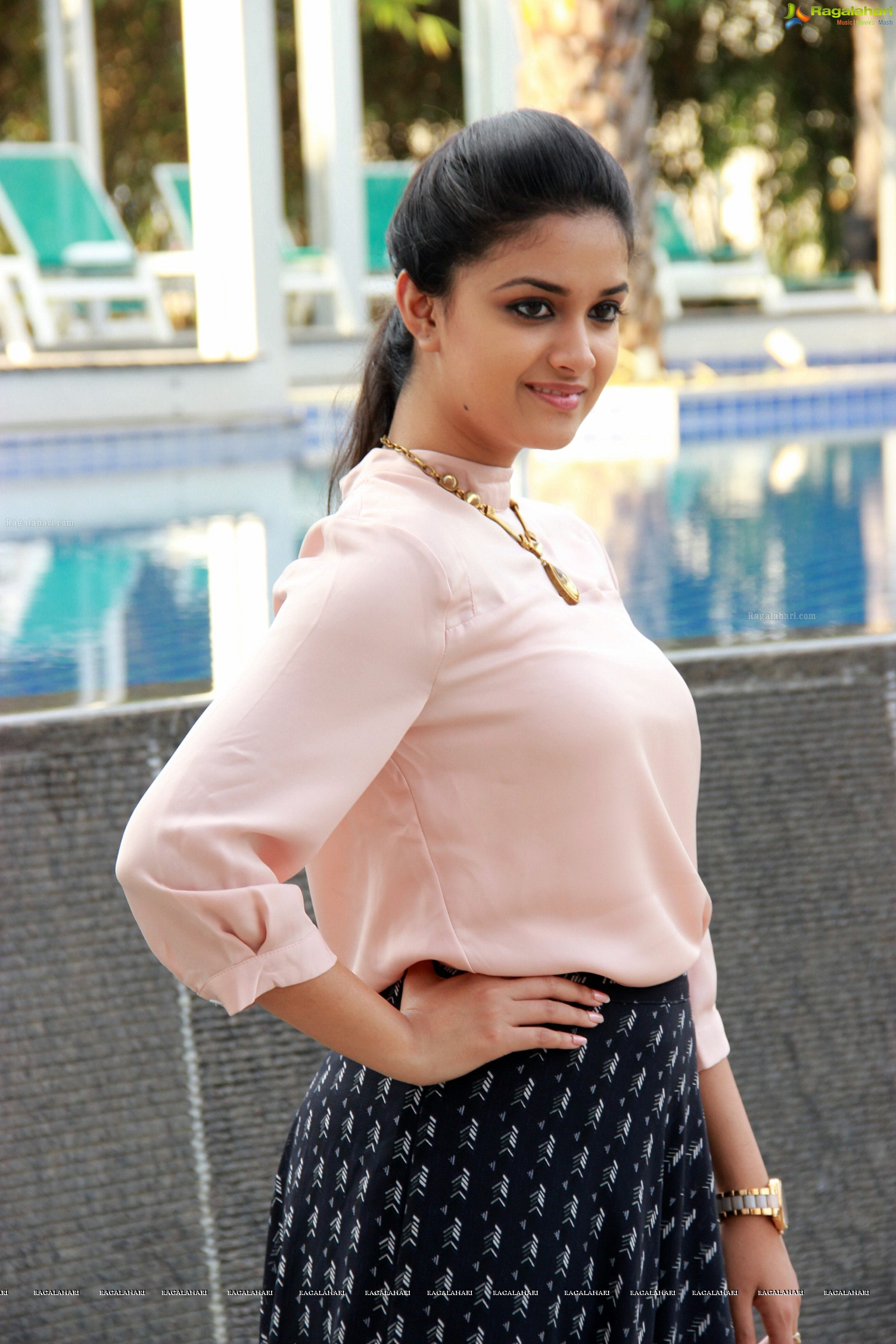 keerthy suresh high definition wallpapers