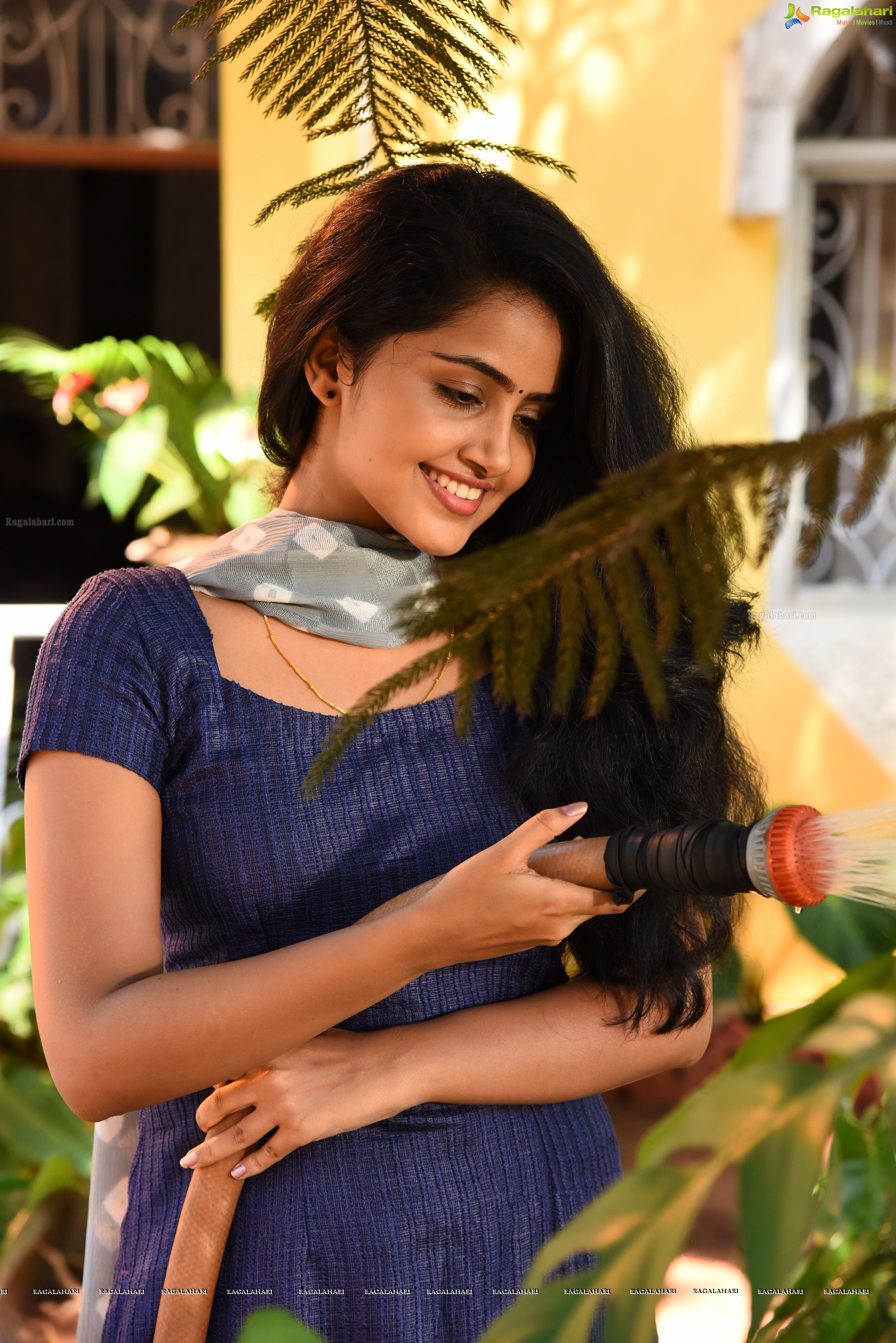 Anupama Parameswaran Hd Wallpapers Page 2