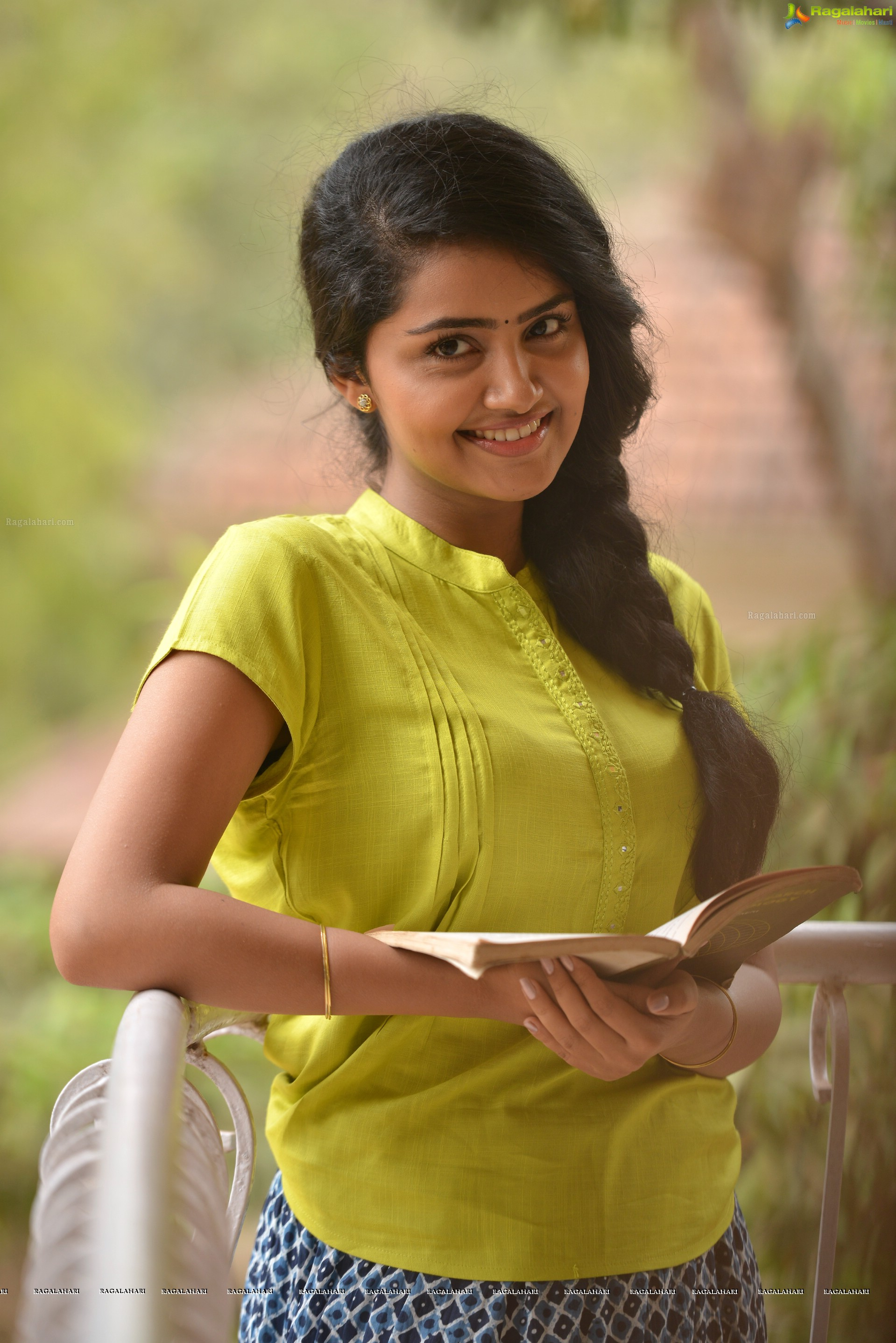 Anupama Parameswaran In Premam Hd Images 17899 Loadtve
