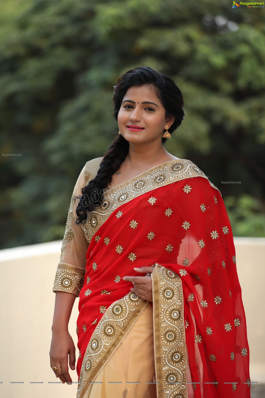 Tanusha Red Saree Sowmya Venugopal