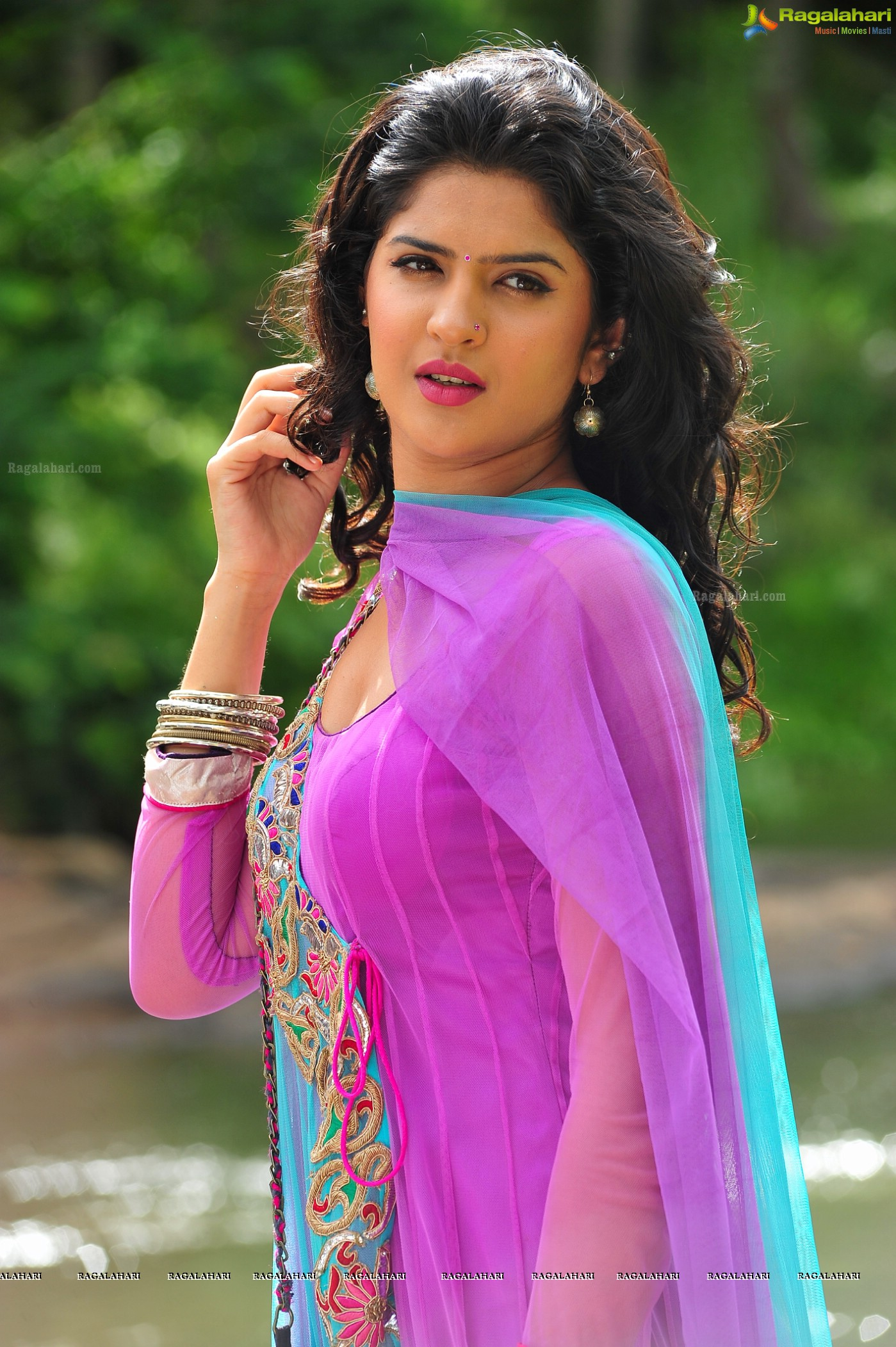 deeksha seth (posters) image 30 | tollywood actor gallery,images