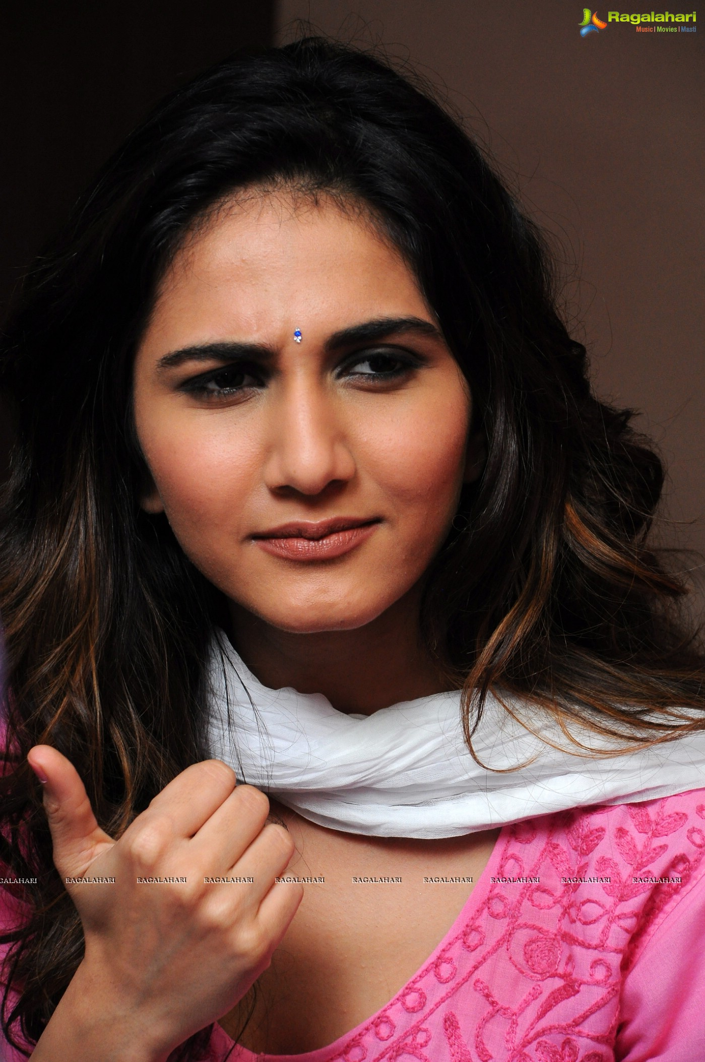 Vaani Kapoor High Definition Image 10 Beautiful Tollywood