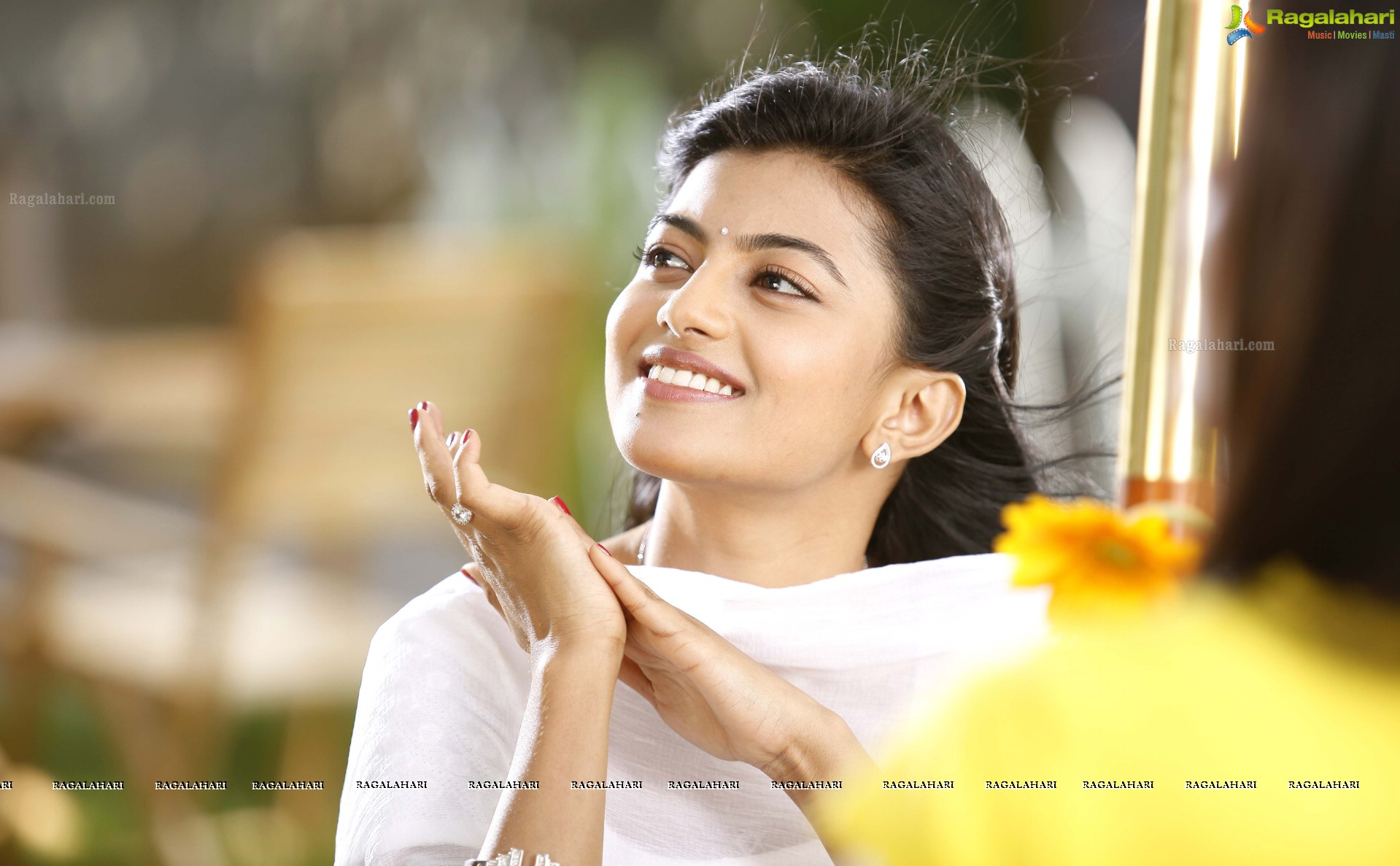 anandhi in green signal posters image 2 latest tollywood actor