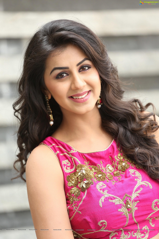 Nikki Galrani (HD) Image 1 : Tollywood Actress Sexy Photos,Telugu Actress Photos Stills ...