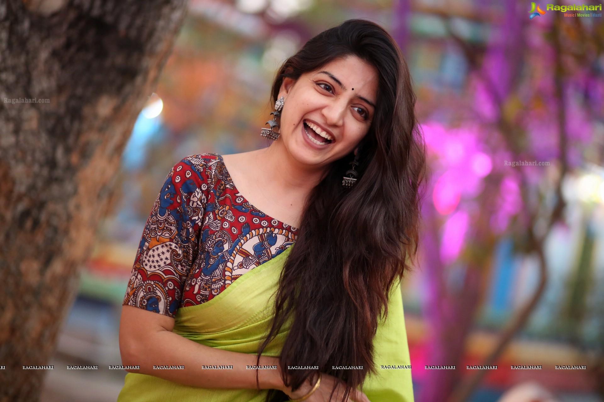 super hd photos - beautiful poonam kaur in saree