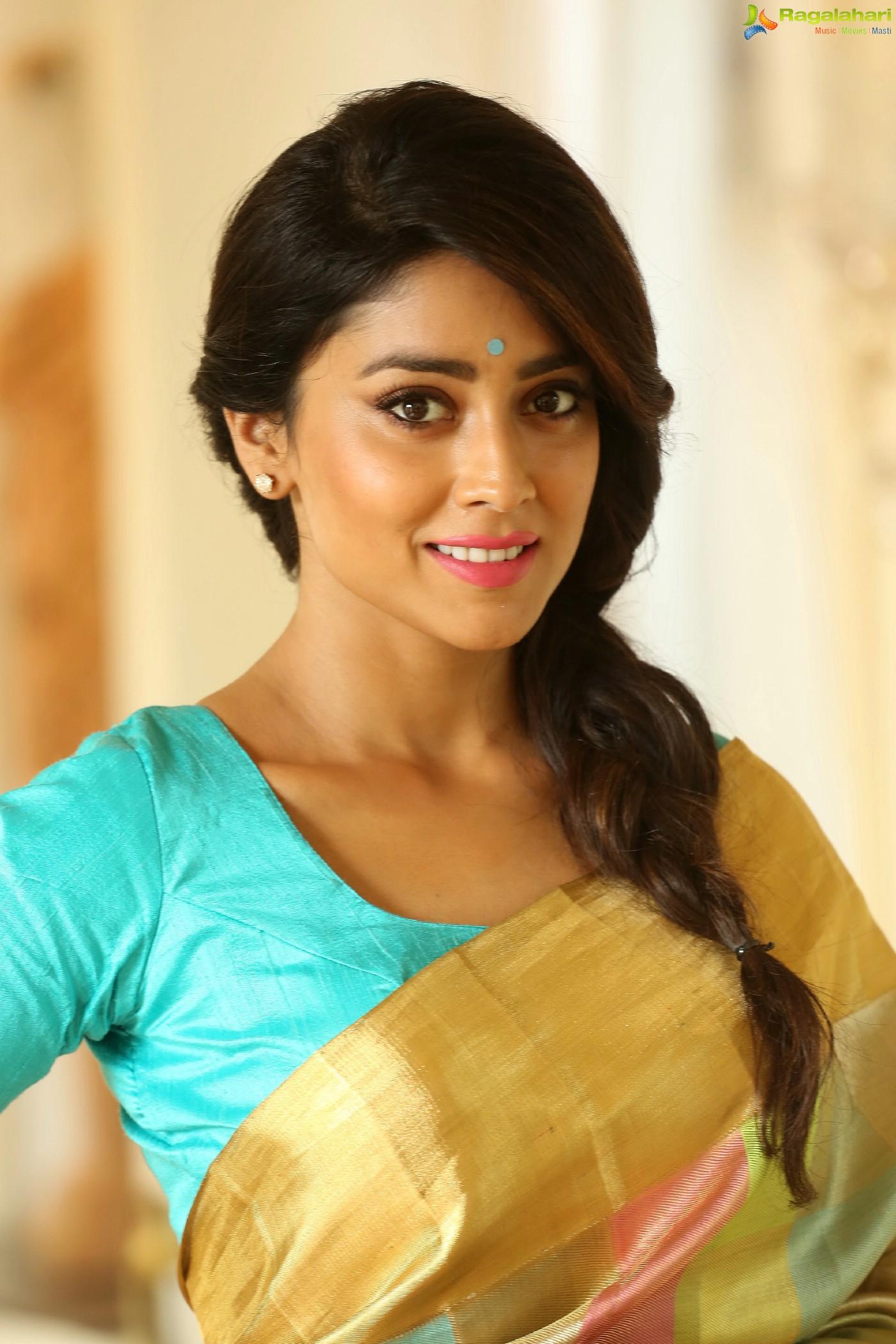 Shriya Saran (Posters) Image 1   Telugu Actress Gallery ...