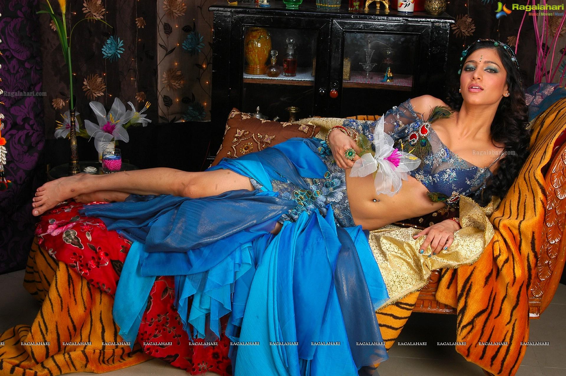 Gorgeous Shruti Hassan at The Latest Event::. [Archive] - ElaKiri ...