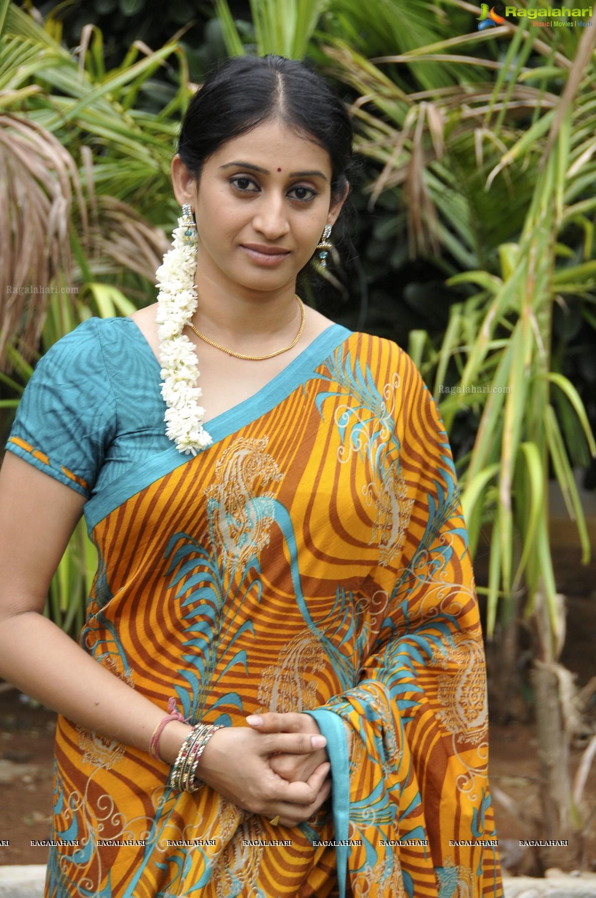 Meena fake 1080p pics 29