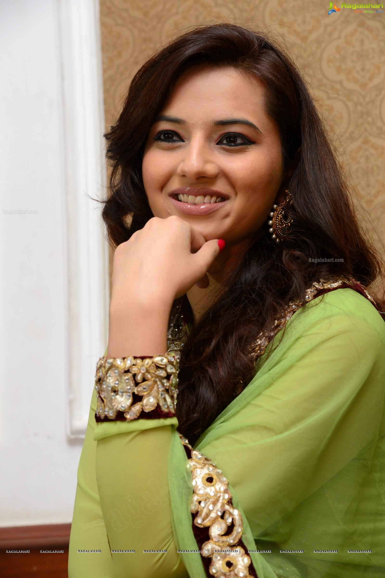 Telugu Heroine Hot Photos