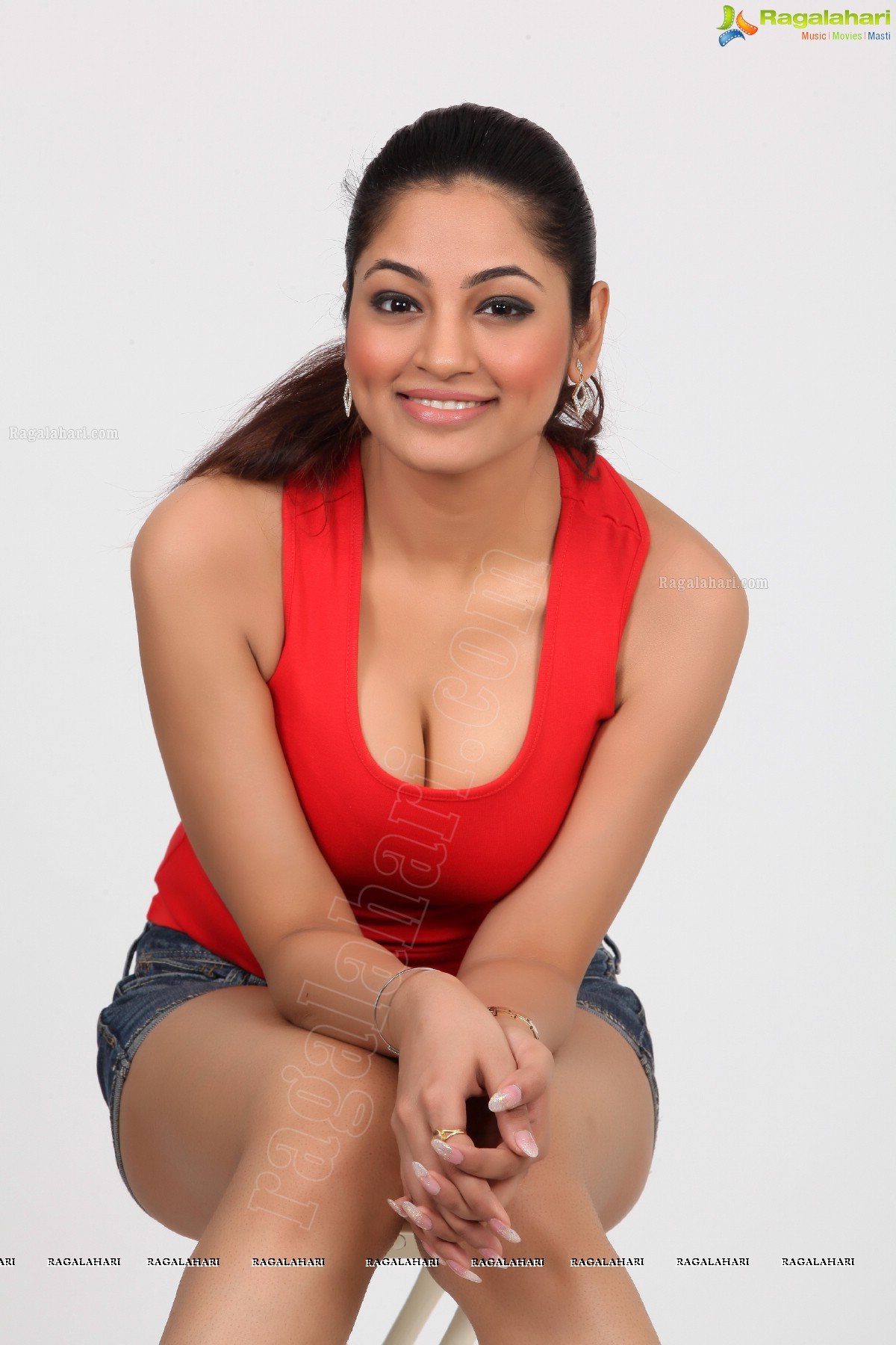 Mary Jo Pehl,Samaira Rao 2012?resent Erotic fotos Bette Midler,Selina Cadell