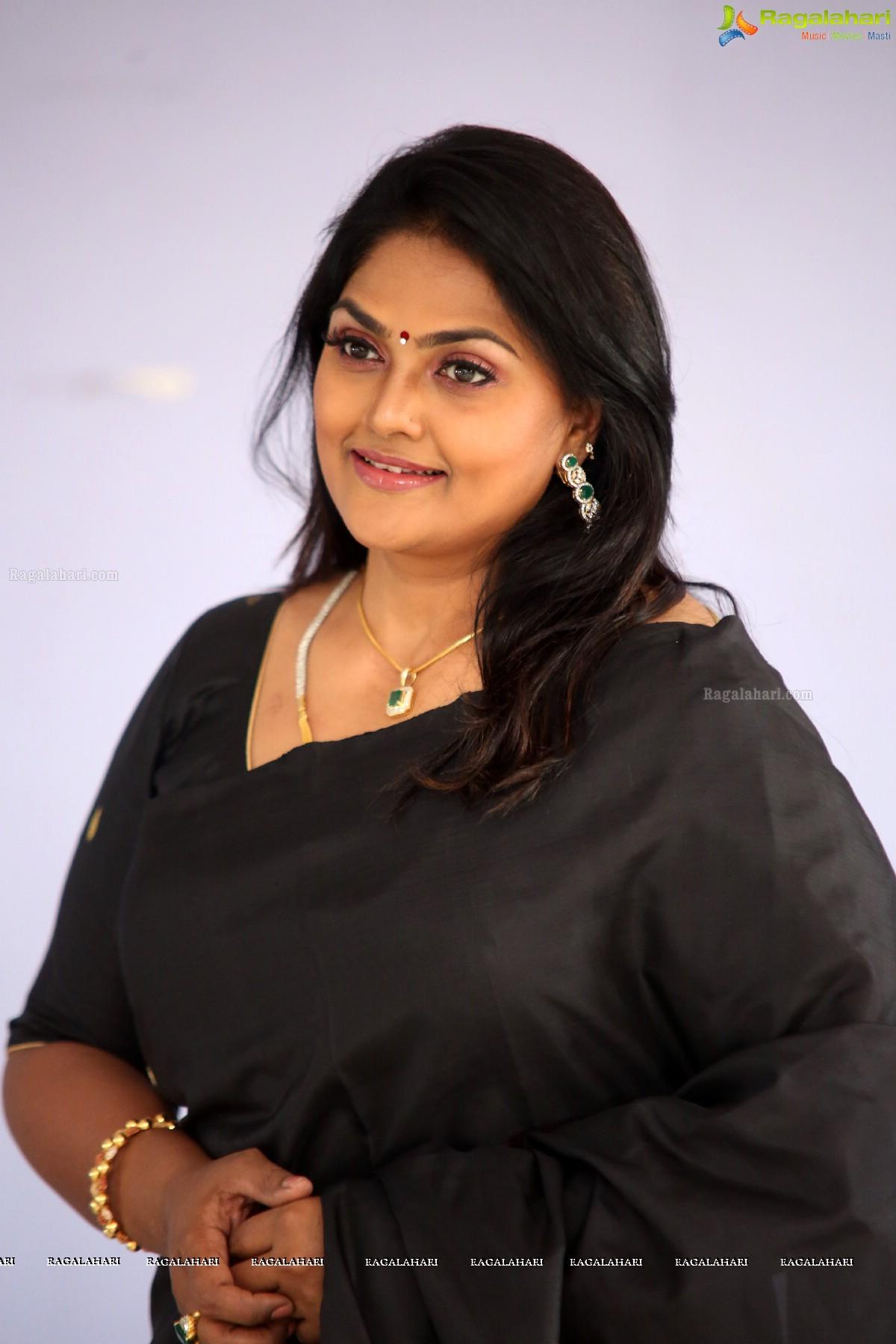 picture Nirosha