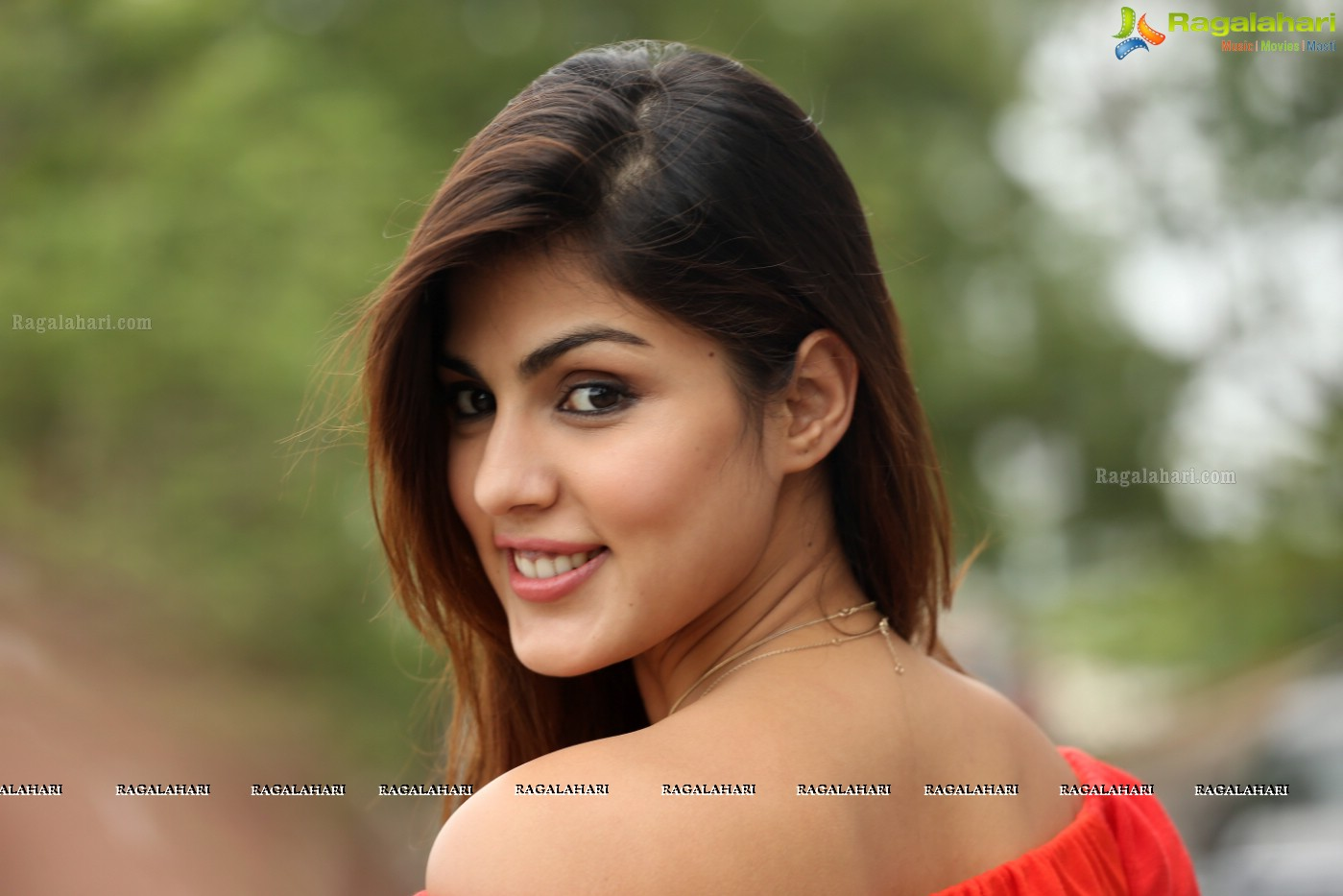 Telugu All Heroines Pictures Wallpapers: Rhea Chakraborty (Posters) Image 123