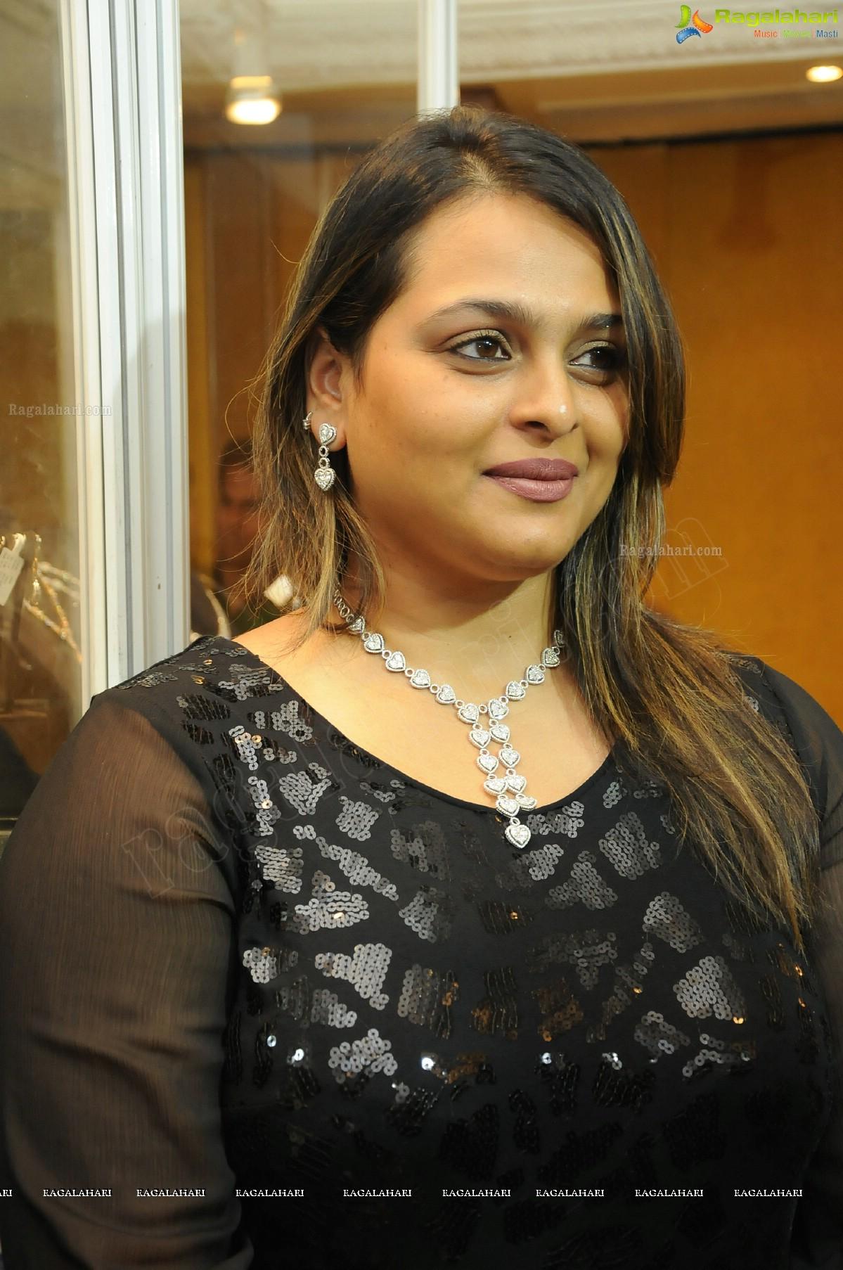 pictures Shilpa Shirodkar