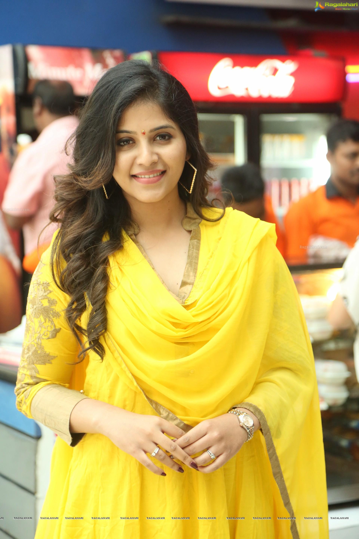 anjali (hd) image 1 | telugu heroines wallpapers ,images, photos