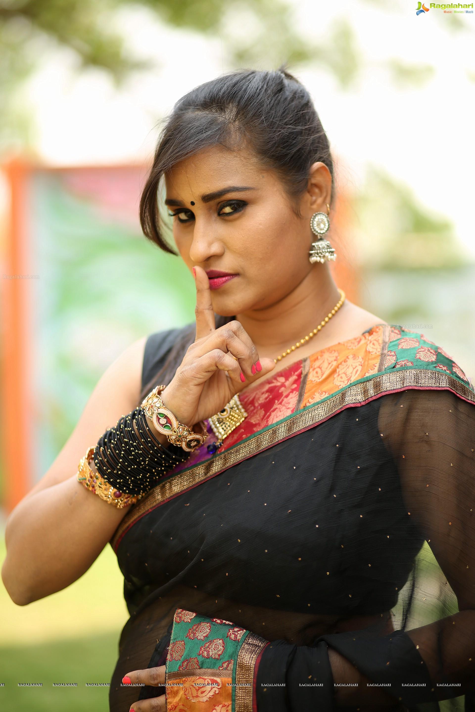 Mahathi High Definition Image 180 Telugu Heroines Stillsimages