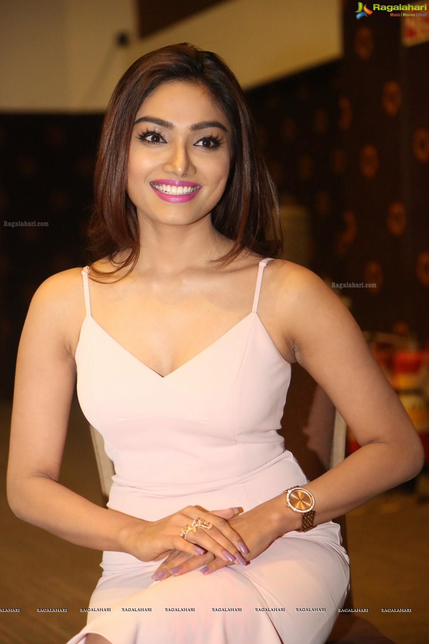 Aishwarya Devan nude photos 2019