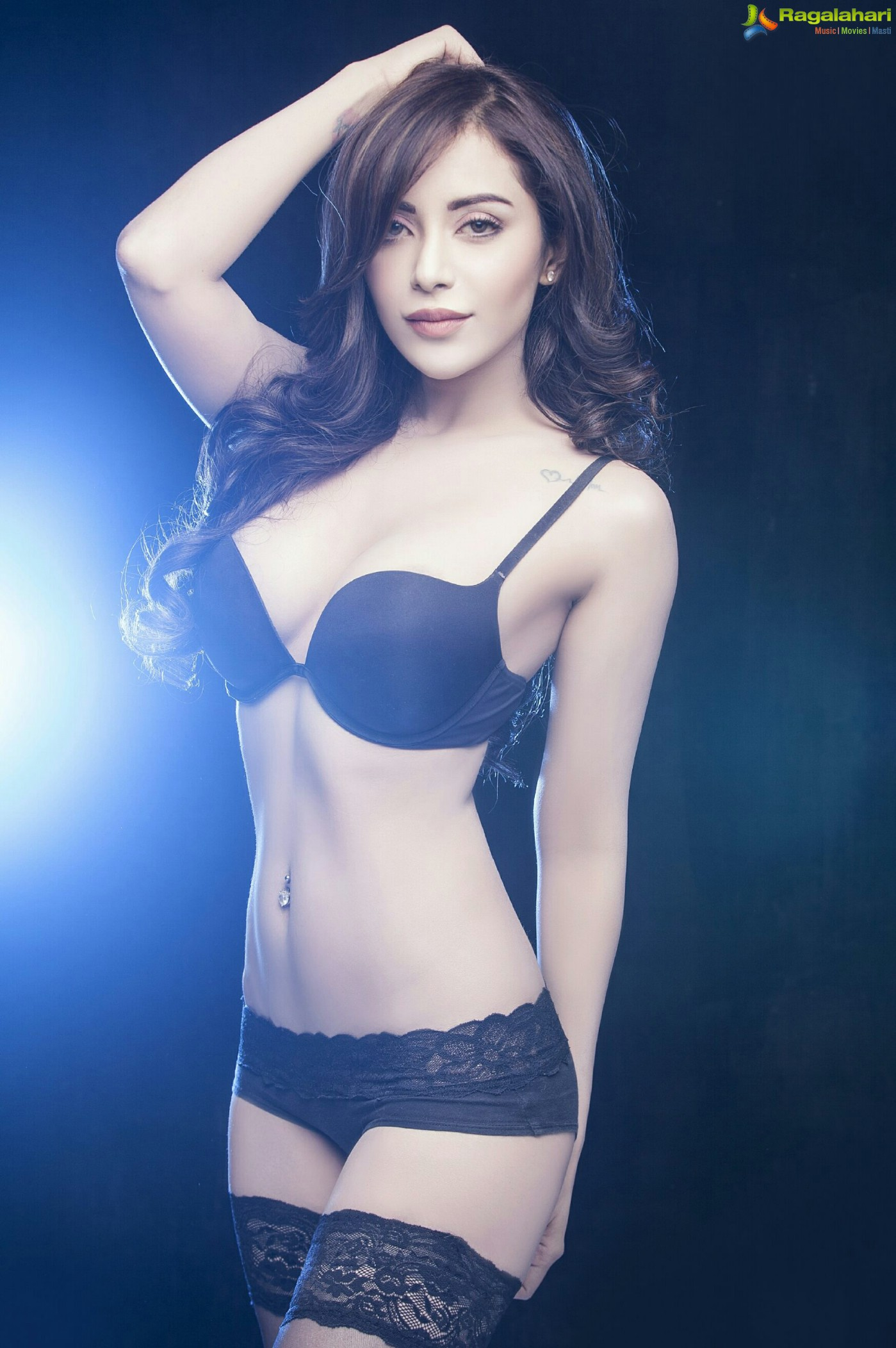 angela krislinzki hot photos