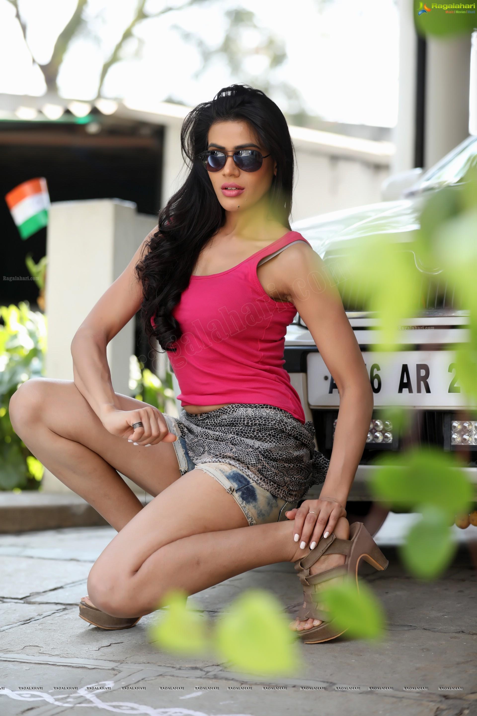 bhavana in shorts