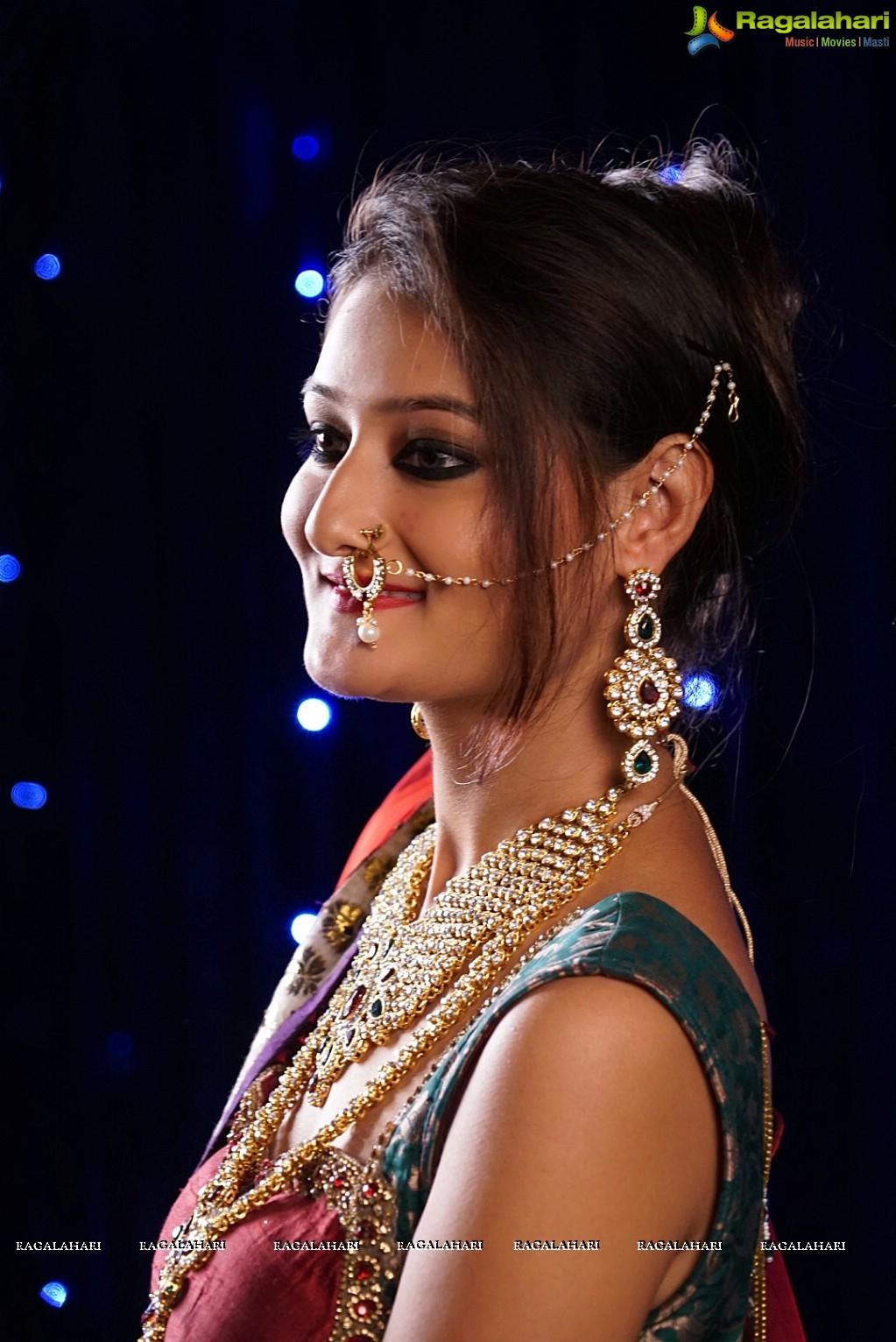 Nilofer Haidry Image 21 | Tollywood Actress Stills,Photoshoot ...