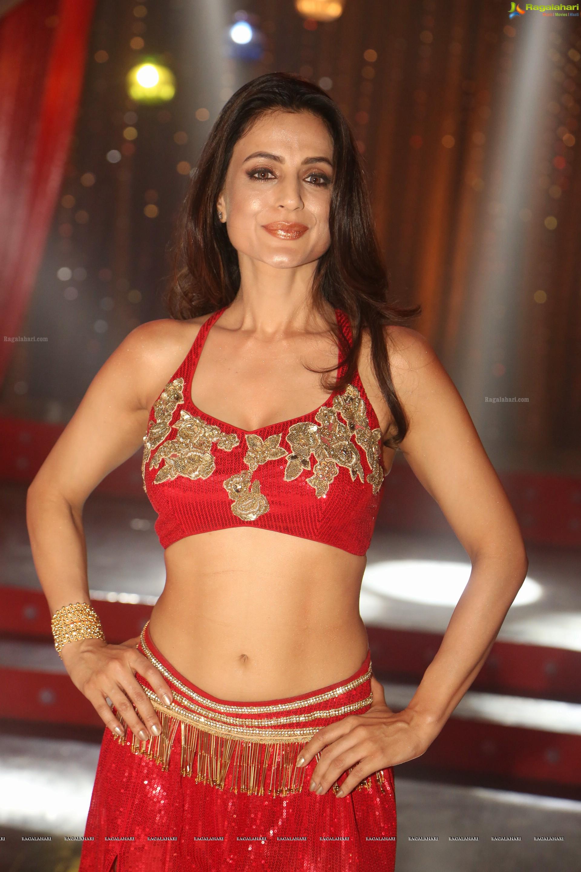 Watch Ameesha Patel video
