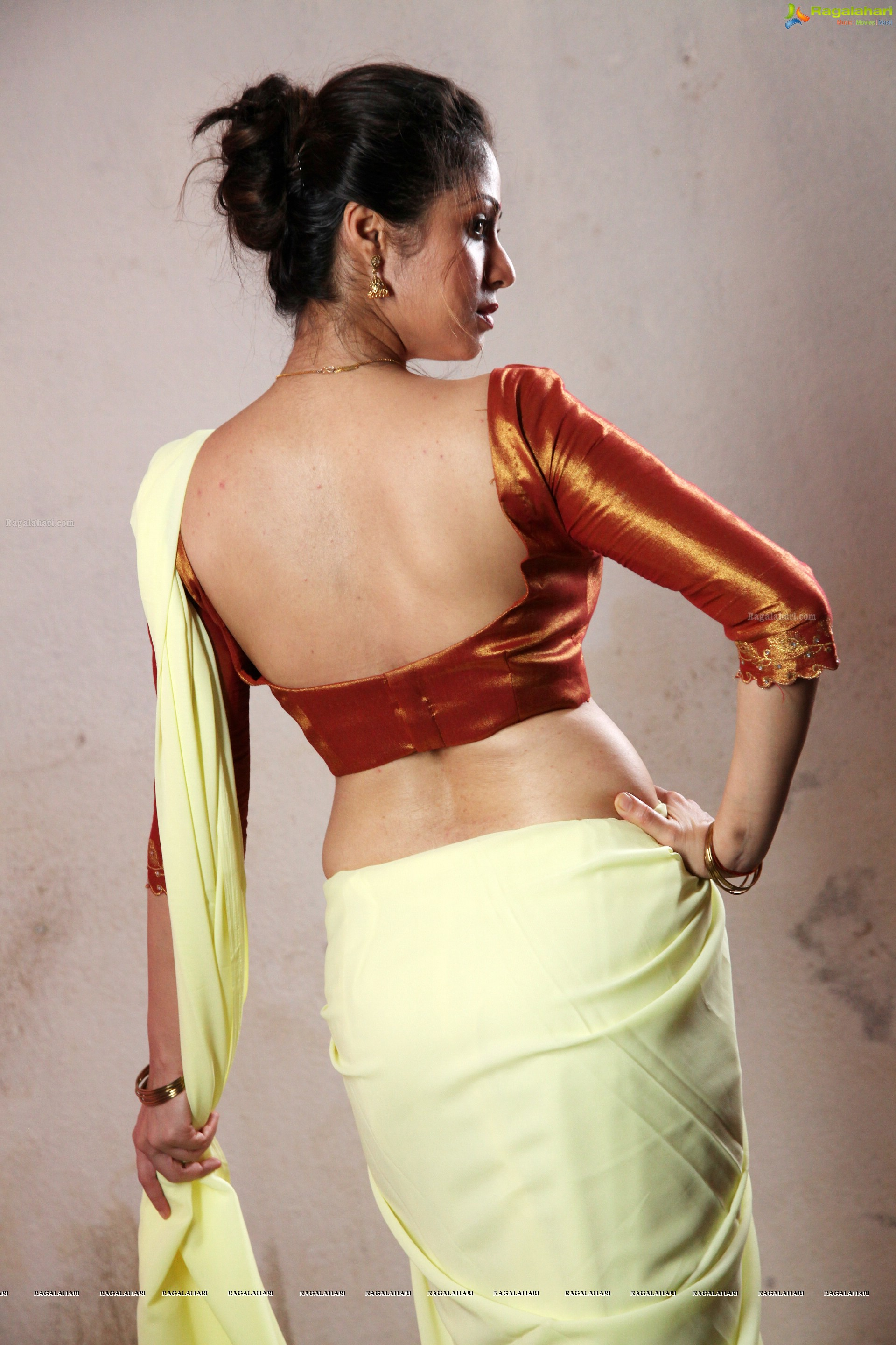 sada in torch light (high definition) image 2   tollywood heroines