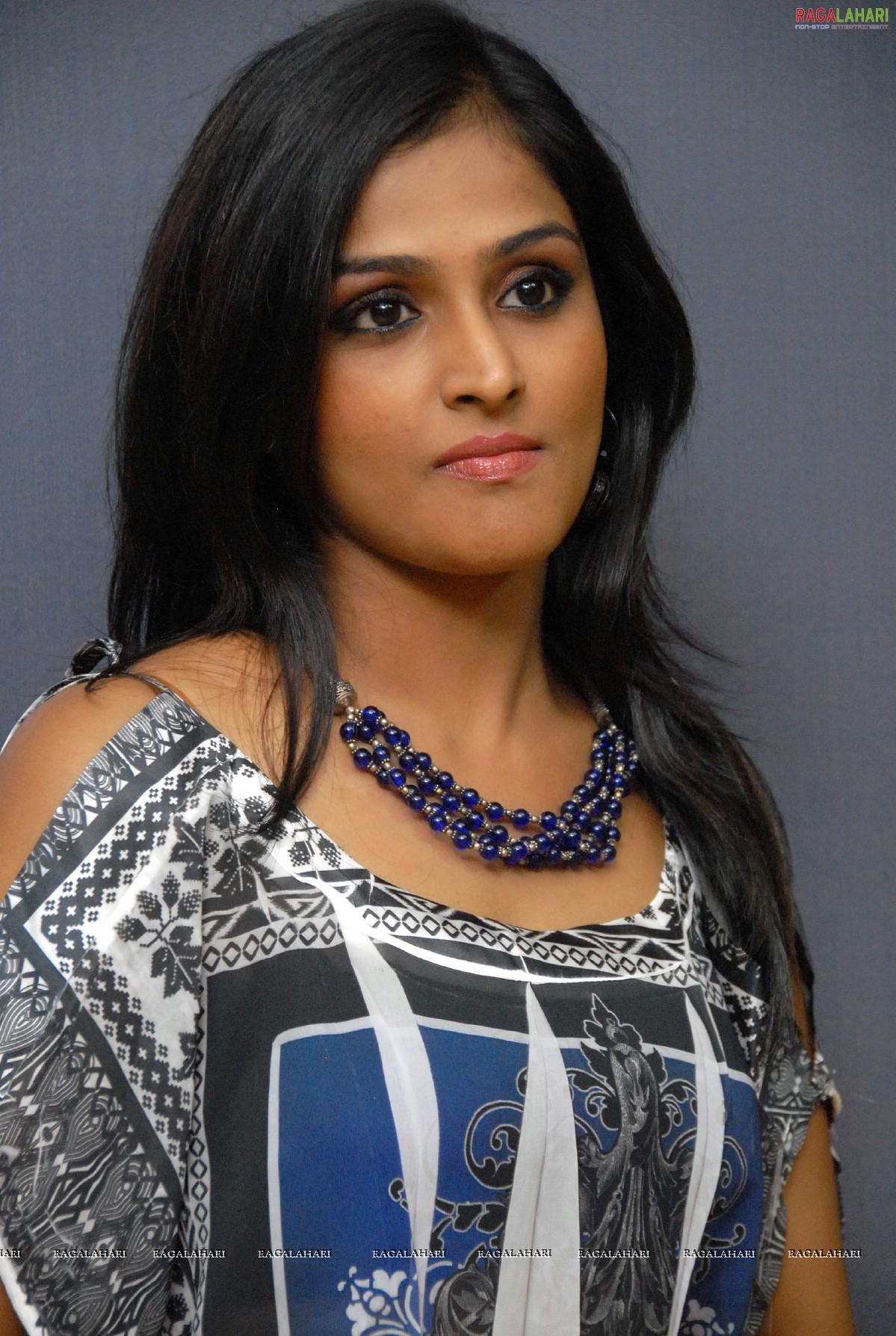 remya nambeesan (hi-res) image 106 | tollywood heroines posters