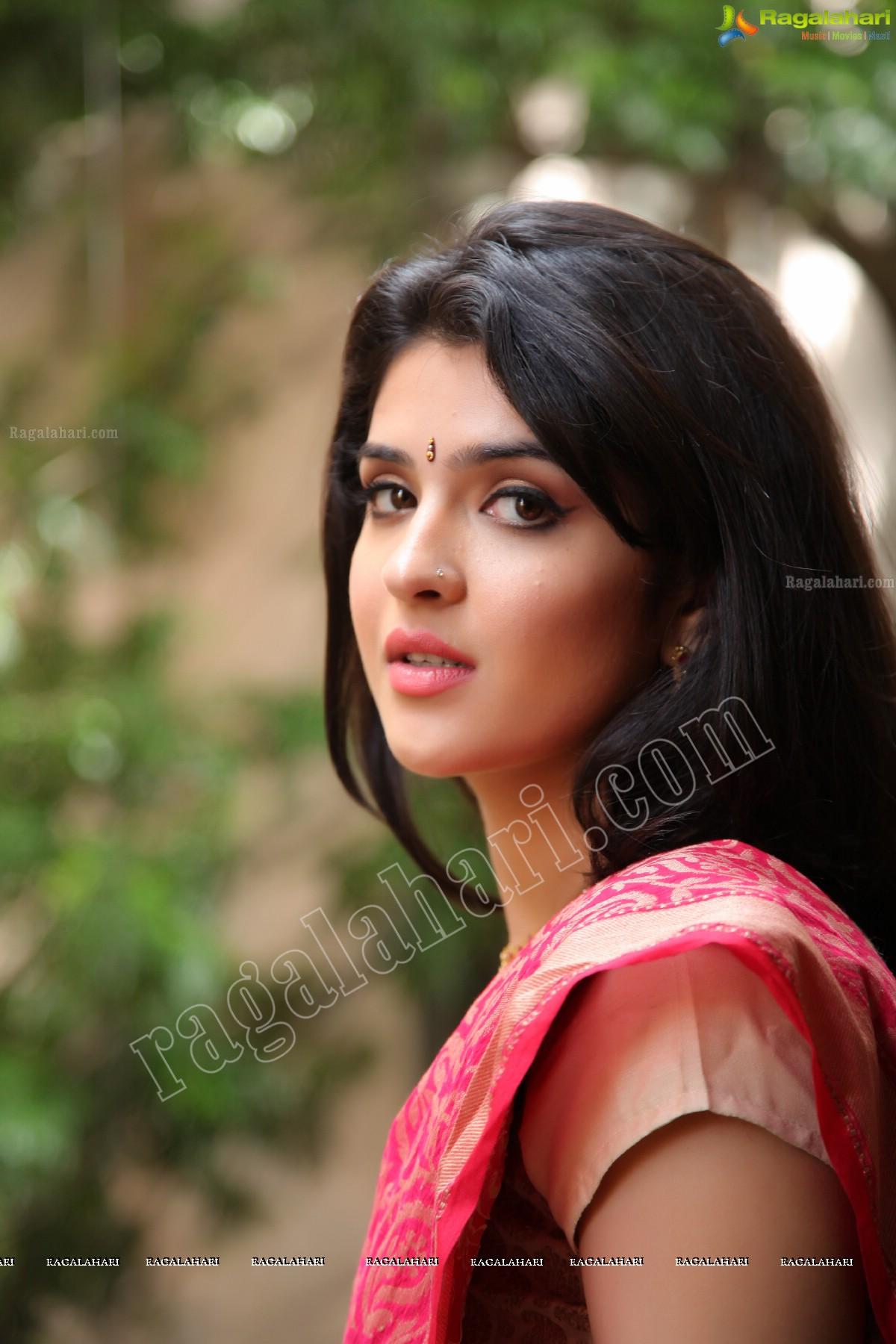 deeksha seth image 35 | telugu heroines posters,images, pics