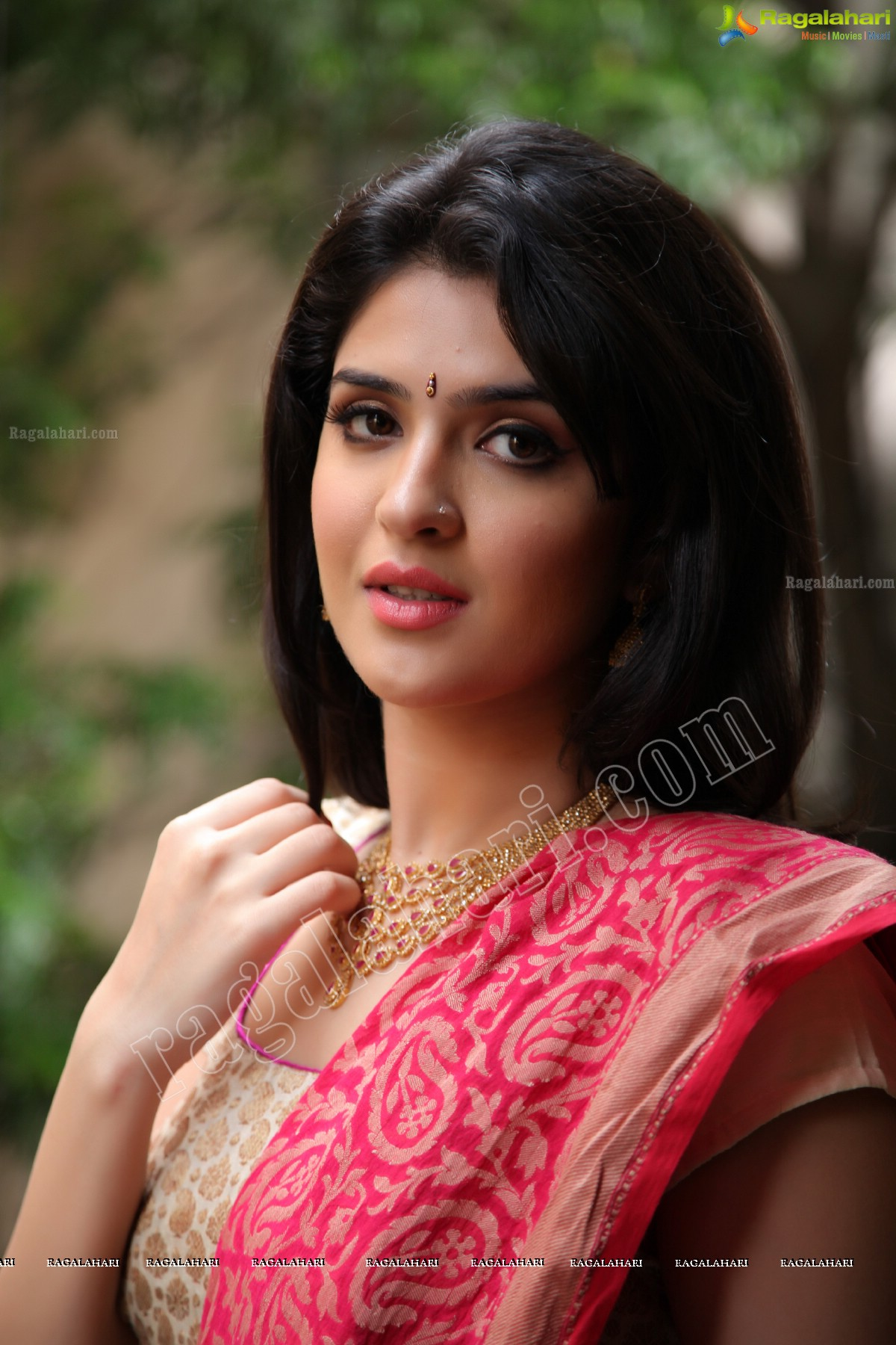 deeksha seth image 44 | telugu movie actress photos,images, photos