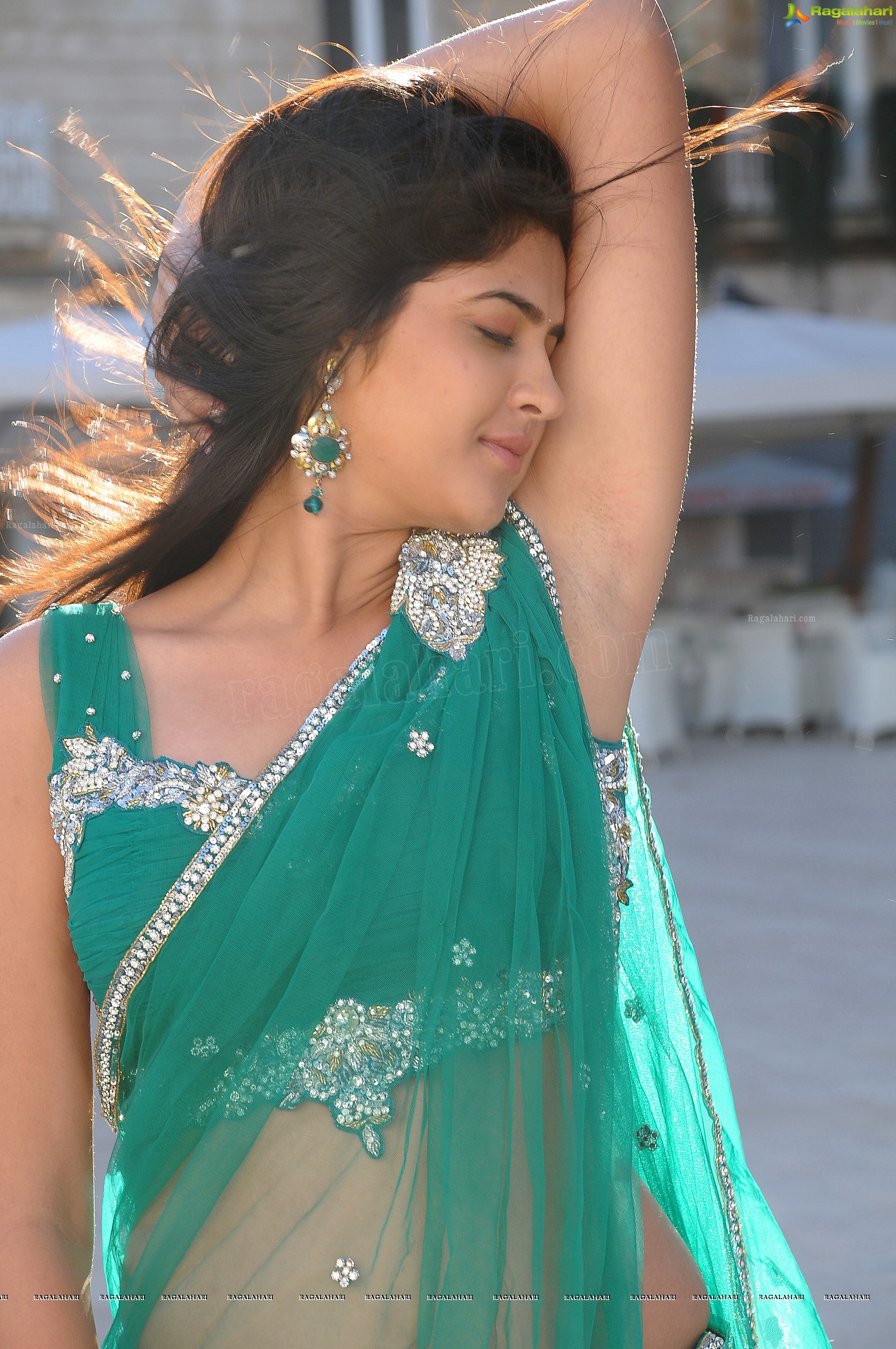 deeksha seth (high definition) image 23 | telugu heroines photos