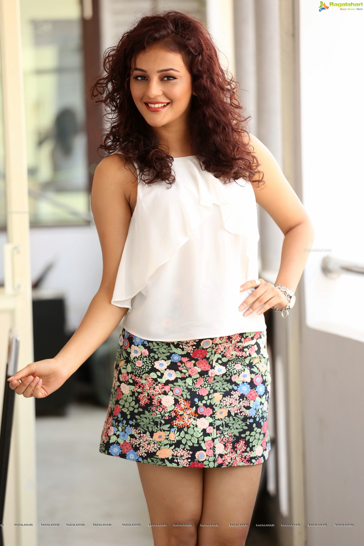 Seerat Kapoor High Definition Image 48 Telugu Actress Photo