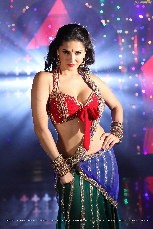 rajasekhar's 'psv garuda vega' will have sunny leone special number