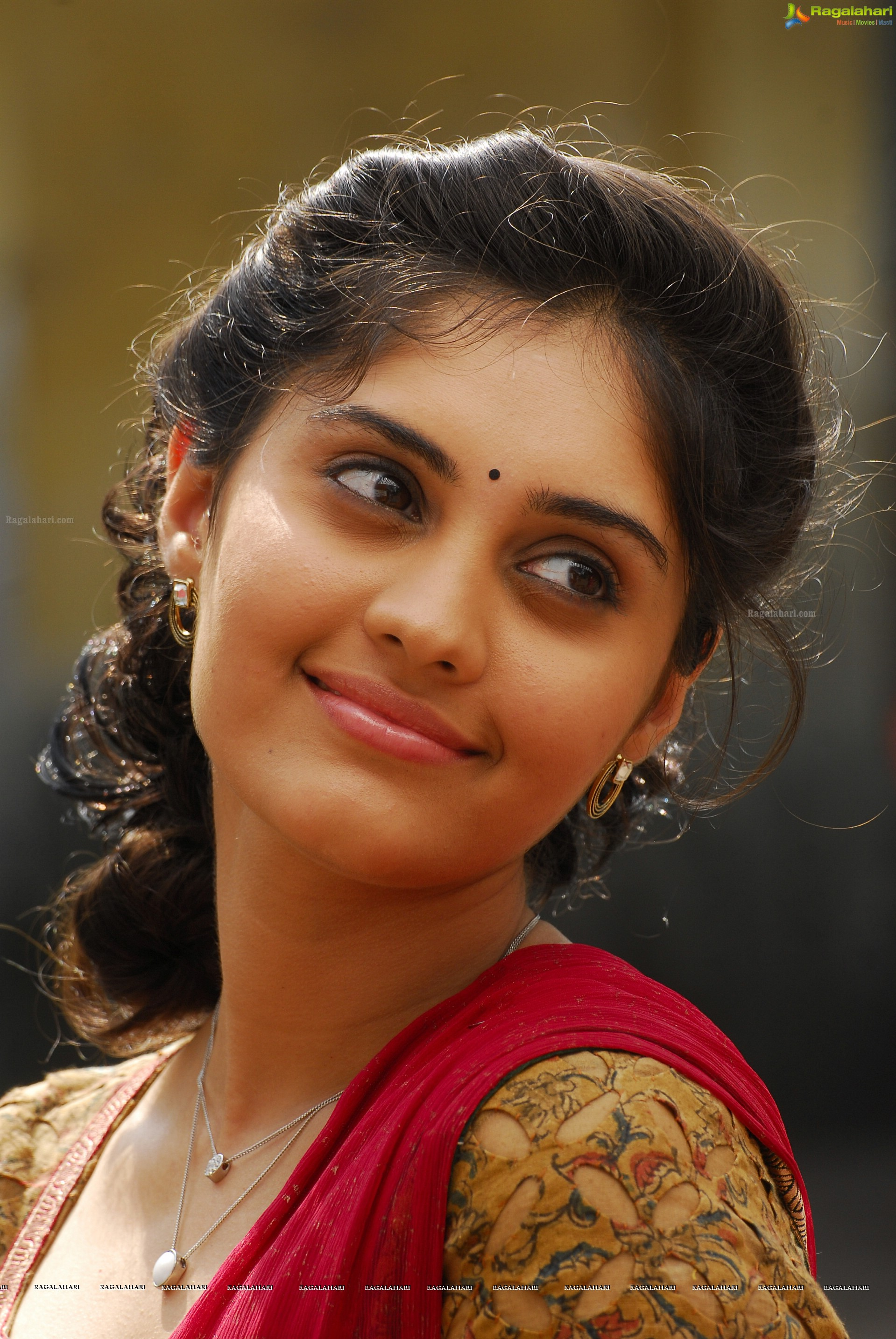 surabhi (high definition) image 396 | telugu actress images,images