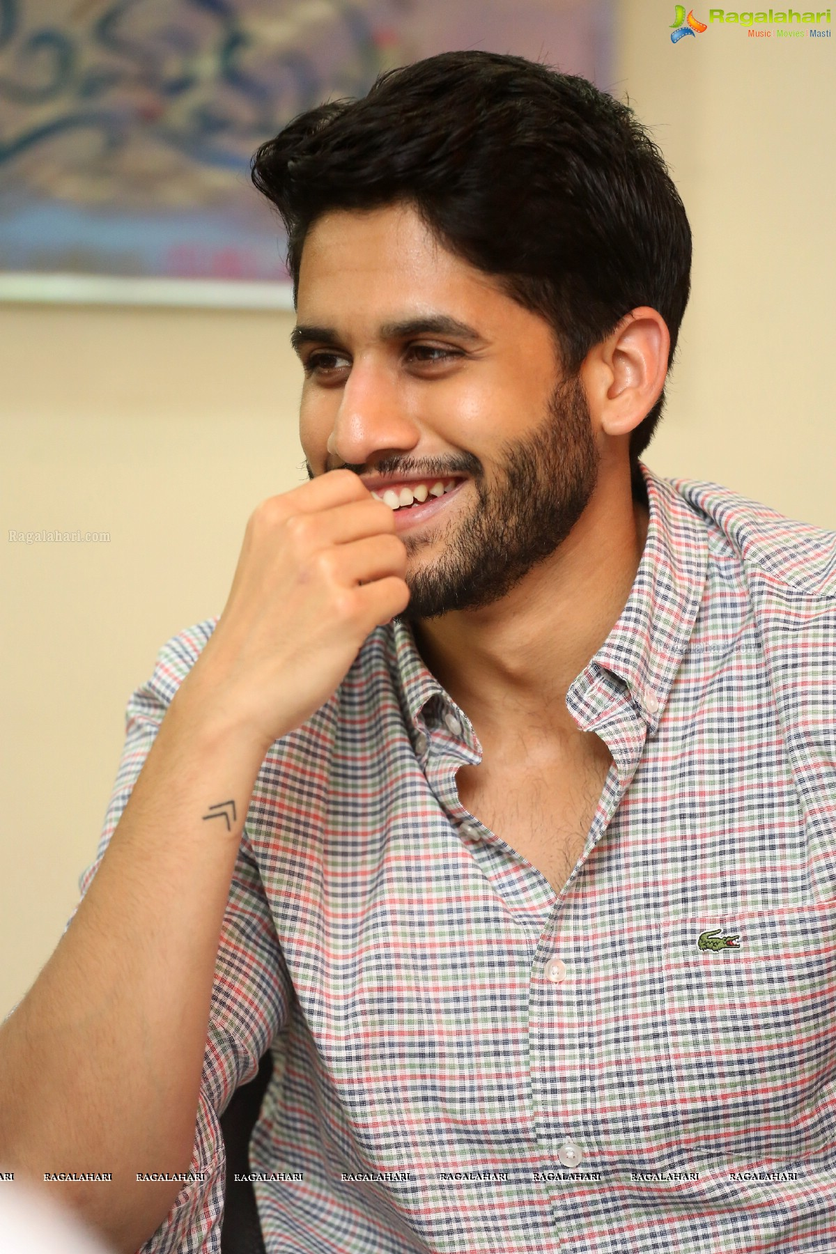 Look - Chaitanya naga stylish wallpapers video