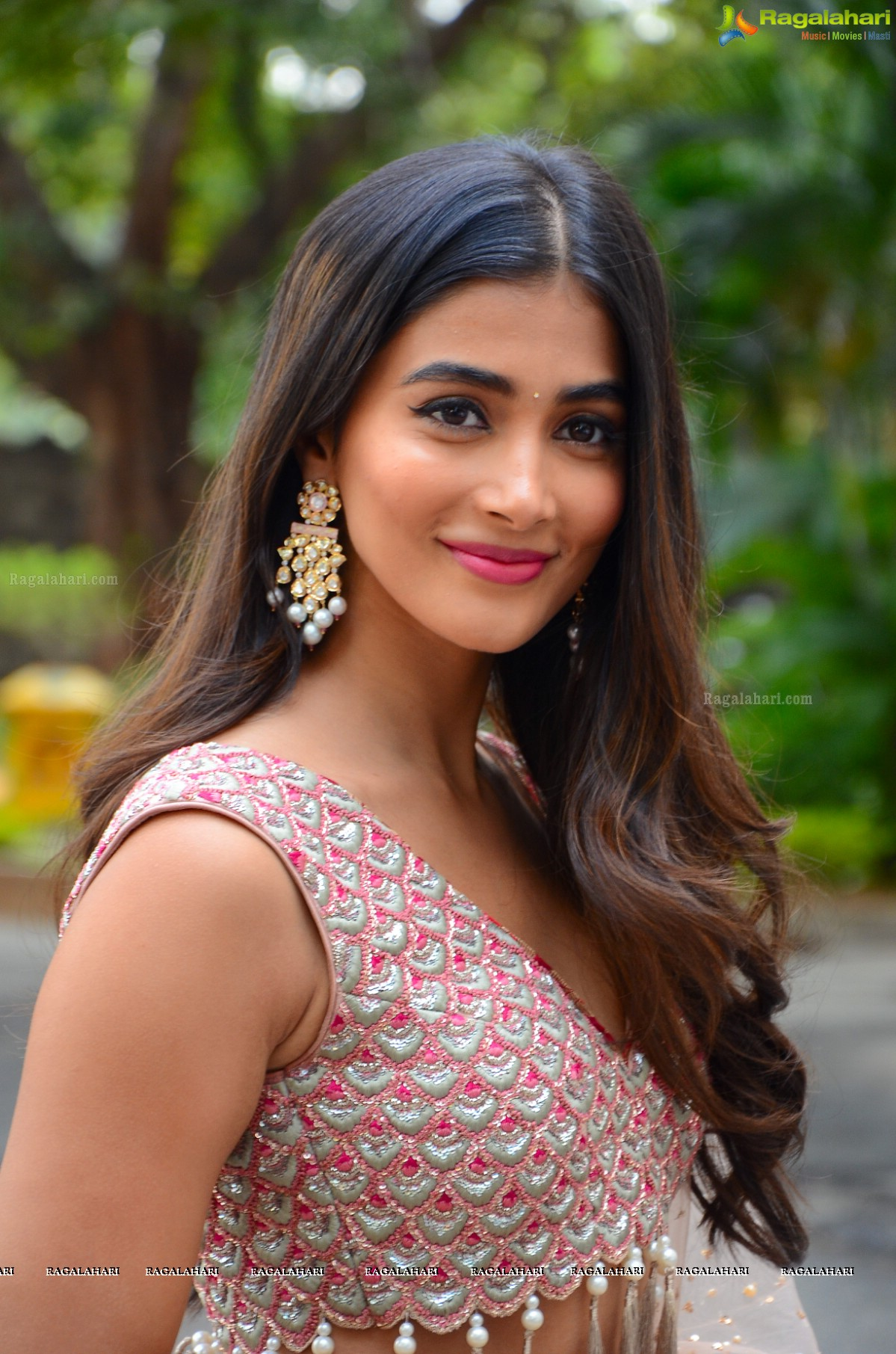 Watch Pooja Hegde video