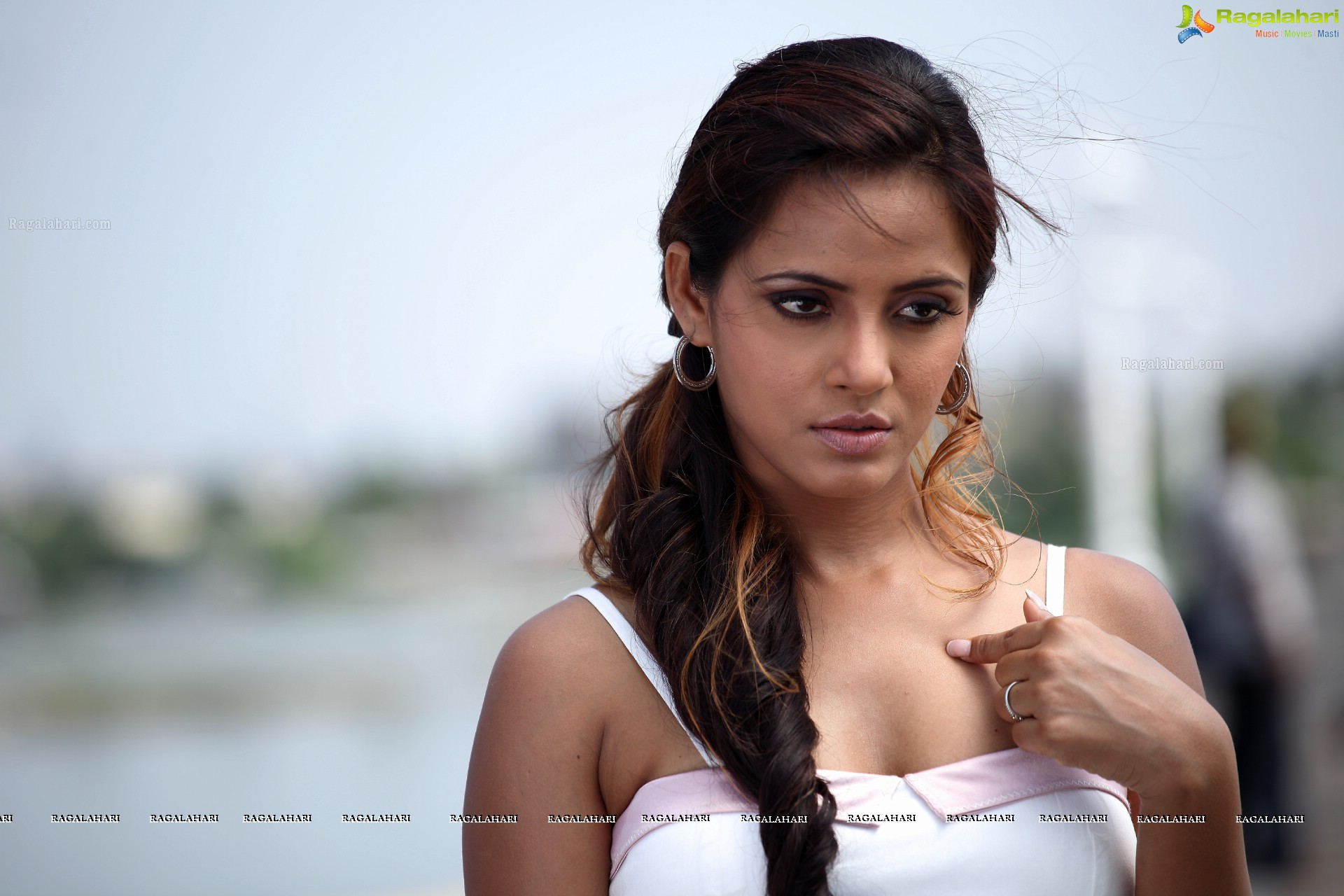 Neetu Chandra Hd Image 166 Tollywood Actress Hot