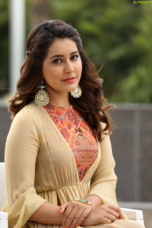 Watch Rashi Khanna video