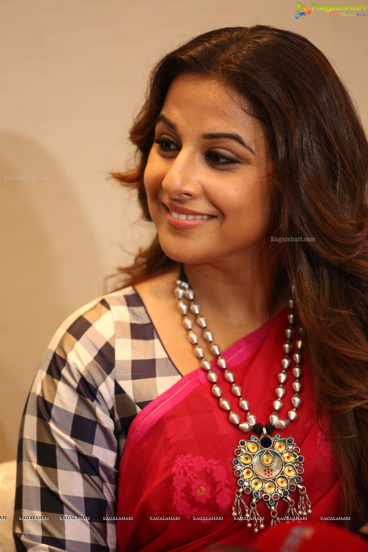 vidya balan image 55 | tollywood actress hot images,images, pics