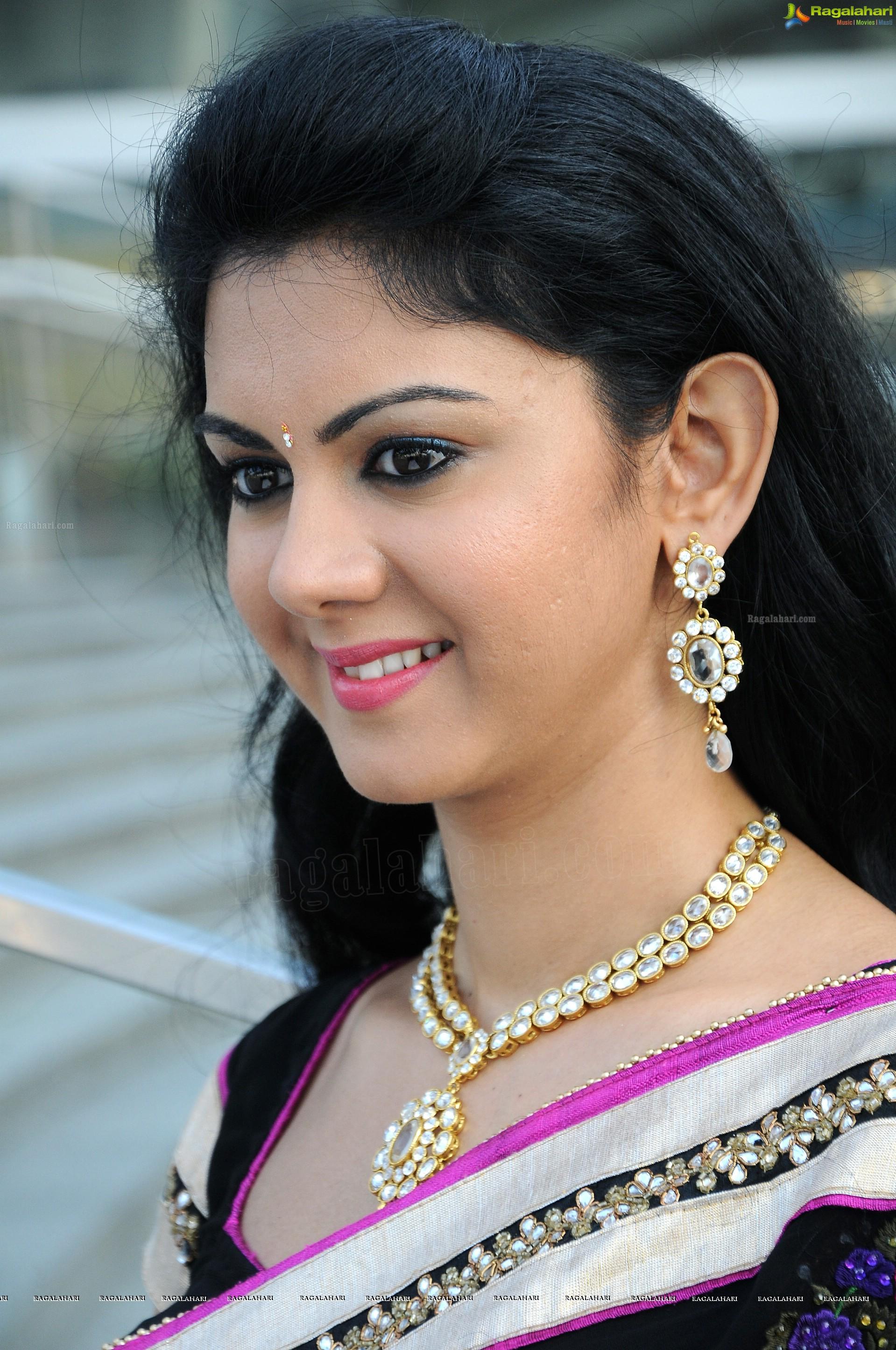 nude tamil girls photos
