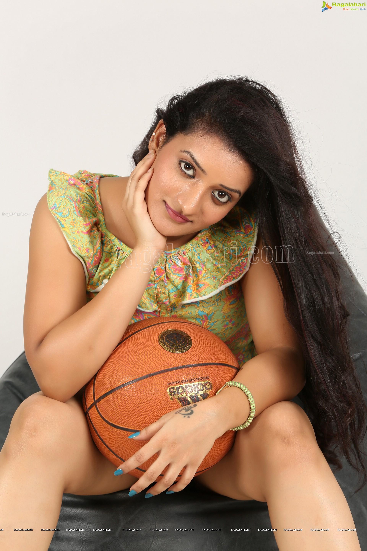 tamil actress thunder thighs pics